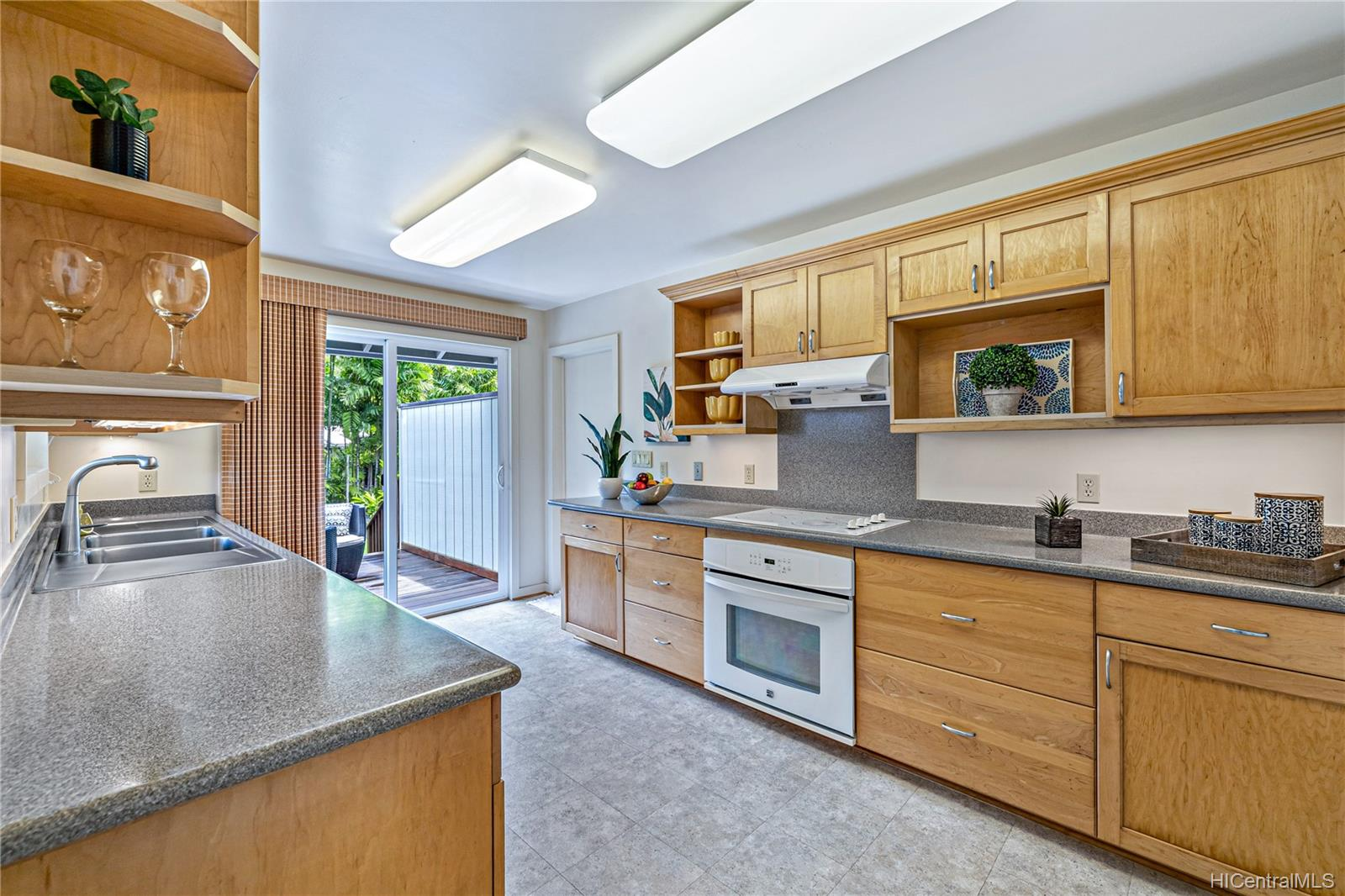 3505  Akaka Place Manoa-woodlawn, Honolulu home - photo 7 of 25