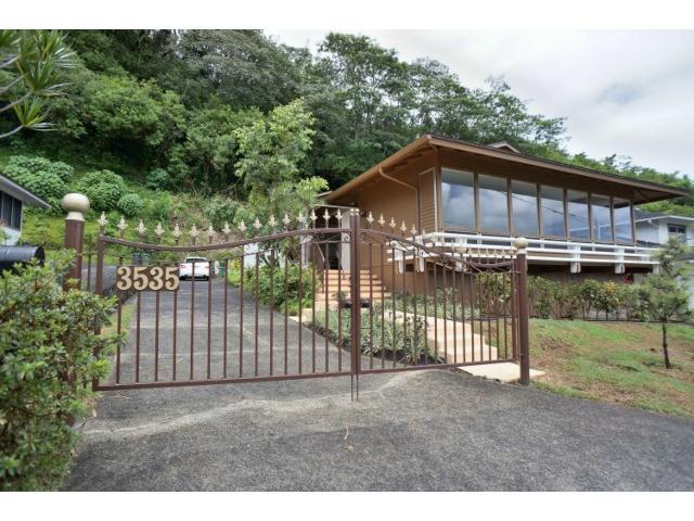 3535  Pinaoula Pl Manoa-upper, Honolulu home - photo 2 of 11