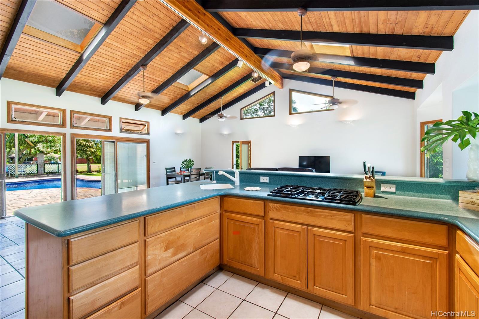 362  Ilimalia Loop Kalaheo Hillside, Kailua home - photo 2 of 25
