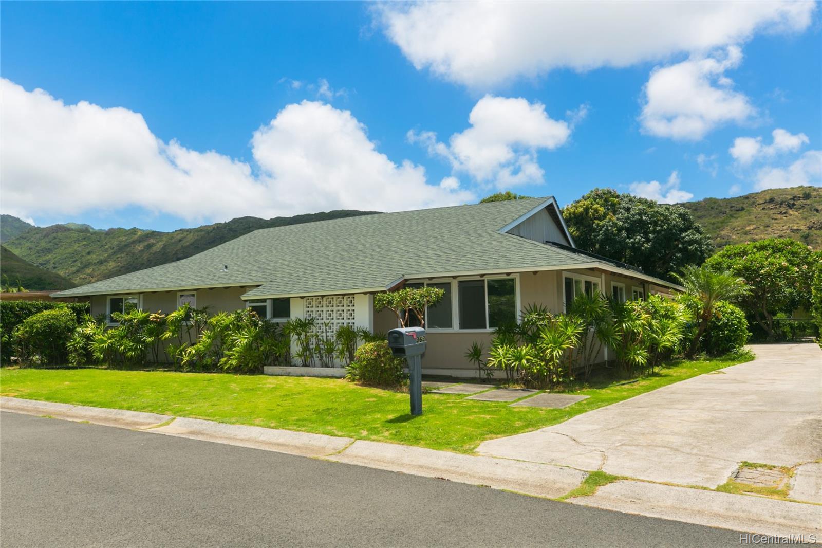 363  Halemaumau Place Niu Valley, Diamond Head home - photo 1 of 20