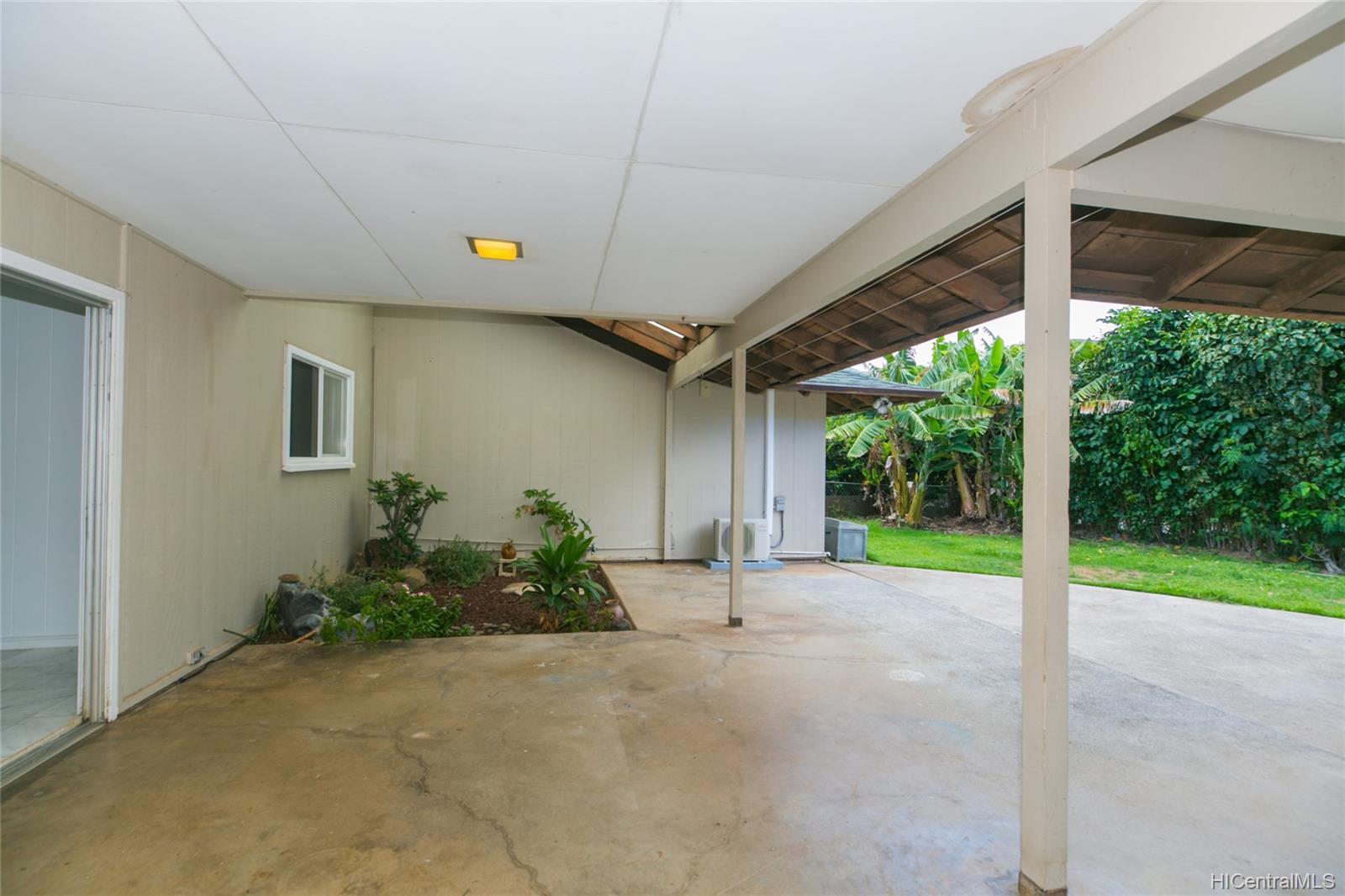 363  Halemaumau Place Niu Valley, Diamond Head home - photo 16 of 20