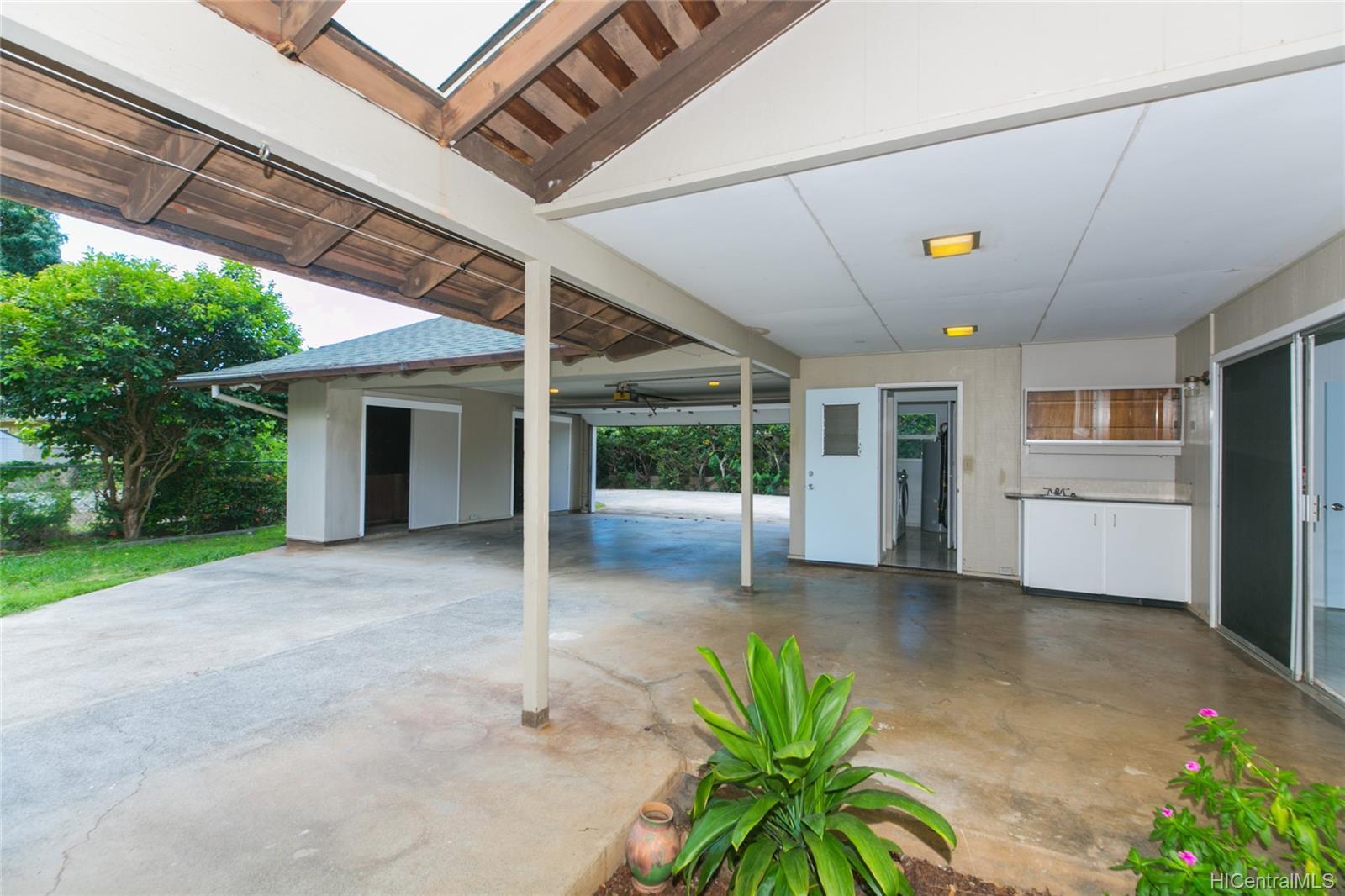 363  Halemaumau Place Niu Valley, Diamond Head home - photo 17 of 20