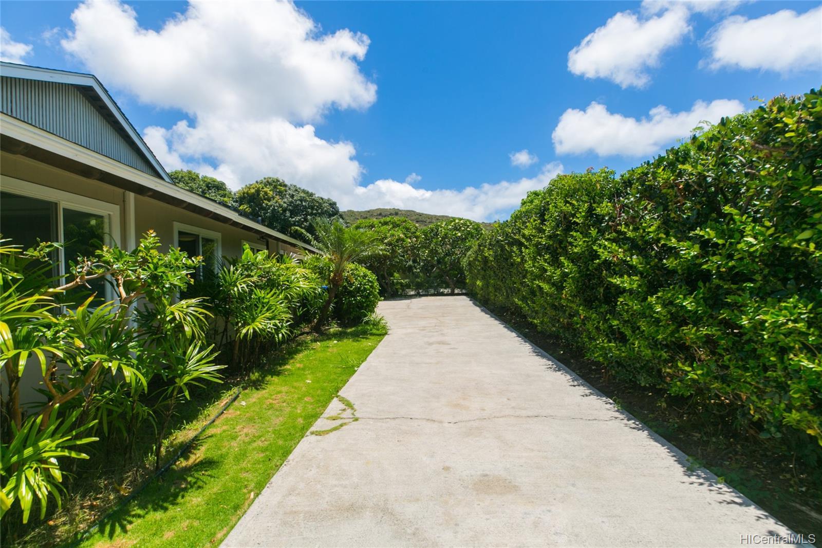 363  Halemaumau Place Niu Valley, Diamond Head home - photo 18 of 20