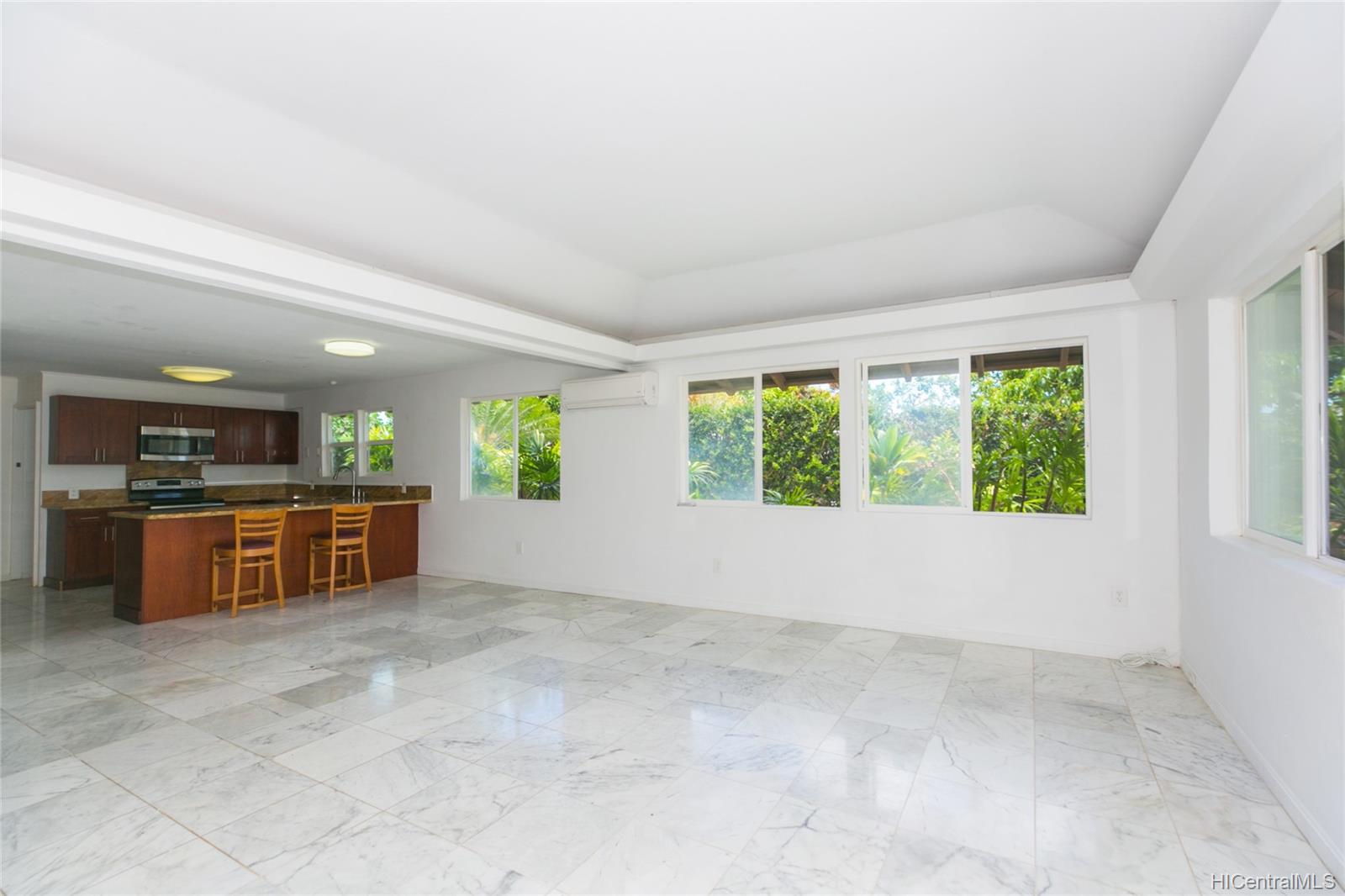 363  Halemaumau Place Niu Valley, Diamond Head home - photo 3 of 20