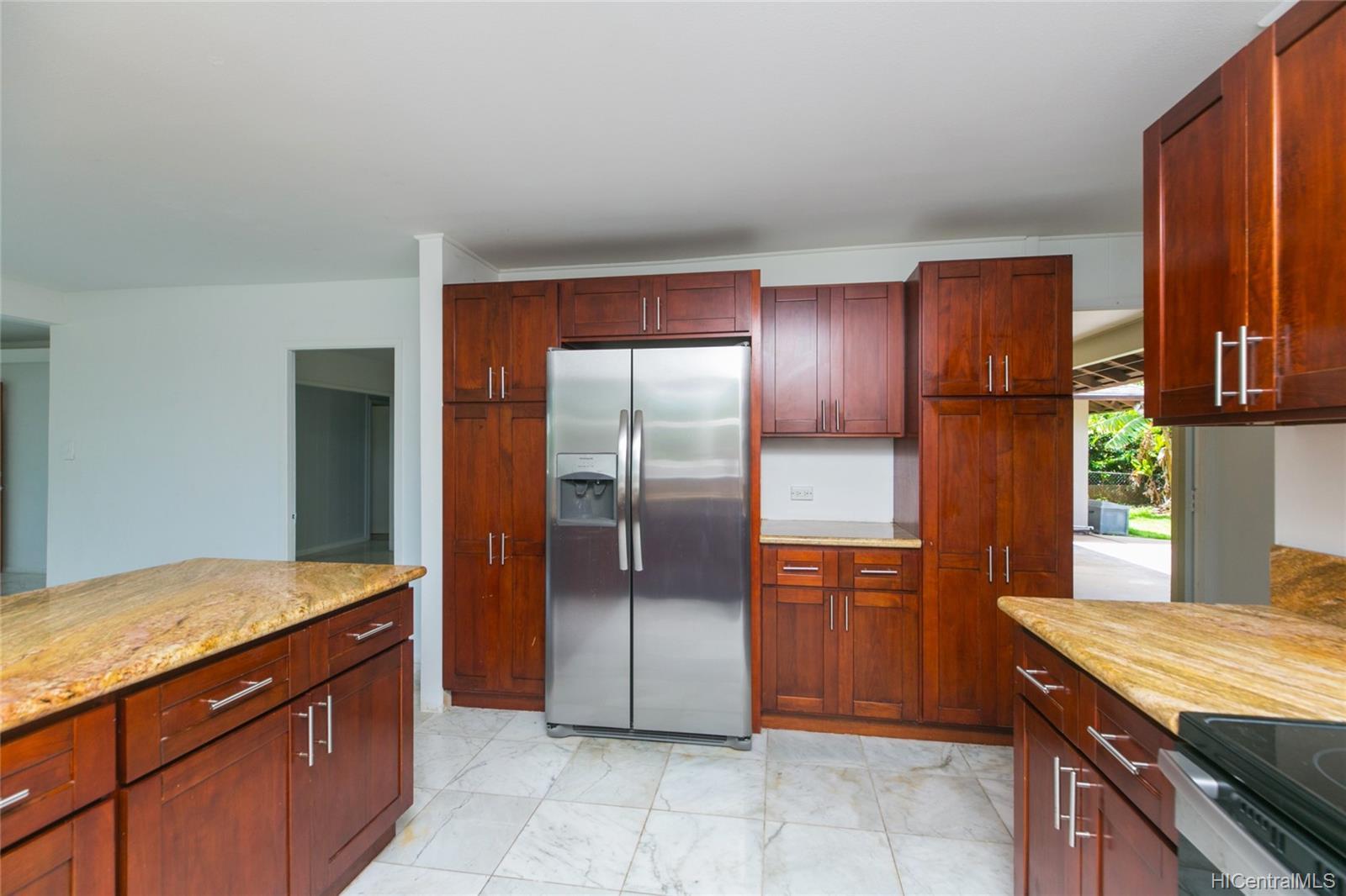 363  Halemaumau Place Niu Valley, Diamond Head home - photo 6 of 20
