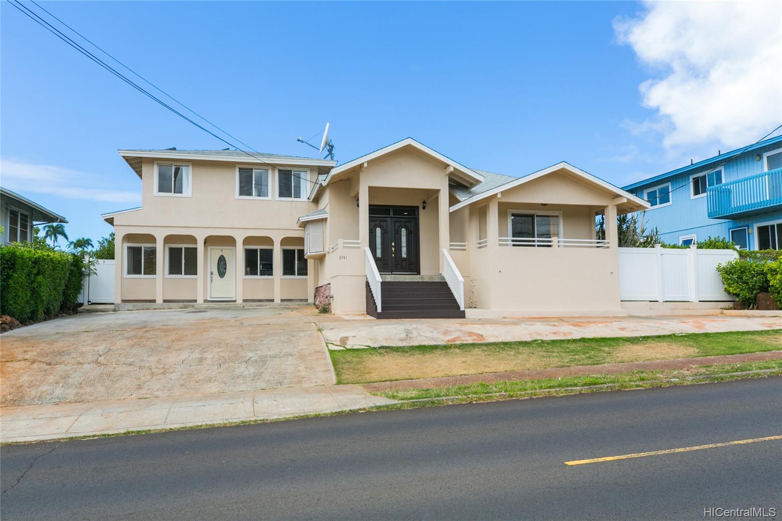 3741  Harding Ave Kaimuki, Diamond Head home - photo 2 of 25