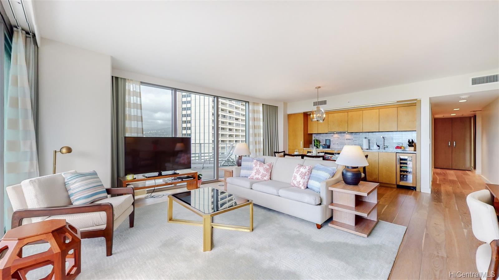 The Ritz-Carlton Residences condo # 902, Honolulu, Hawaii - photo 7 of 24