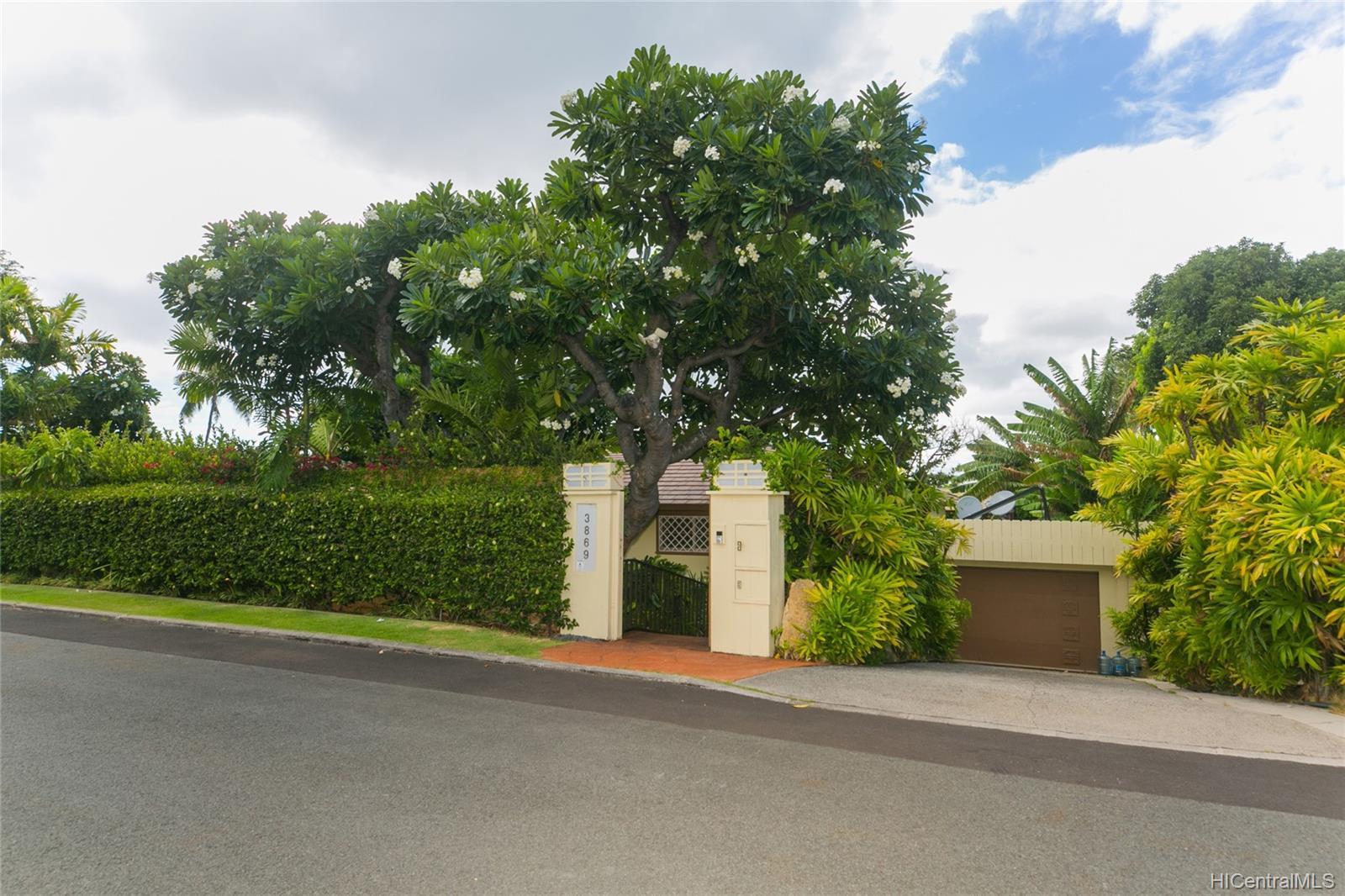 3869  Owena Street Kapahulu, Diamond Head home - photo 1 of 25