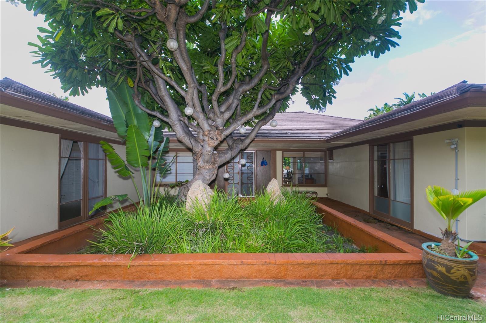 3869  Owena Street Kapahulu, Diamond Head home - photo 5 of 25