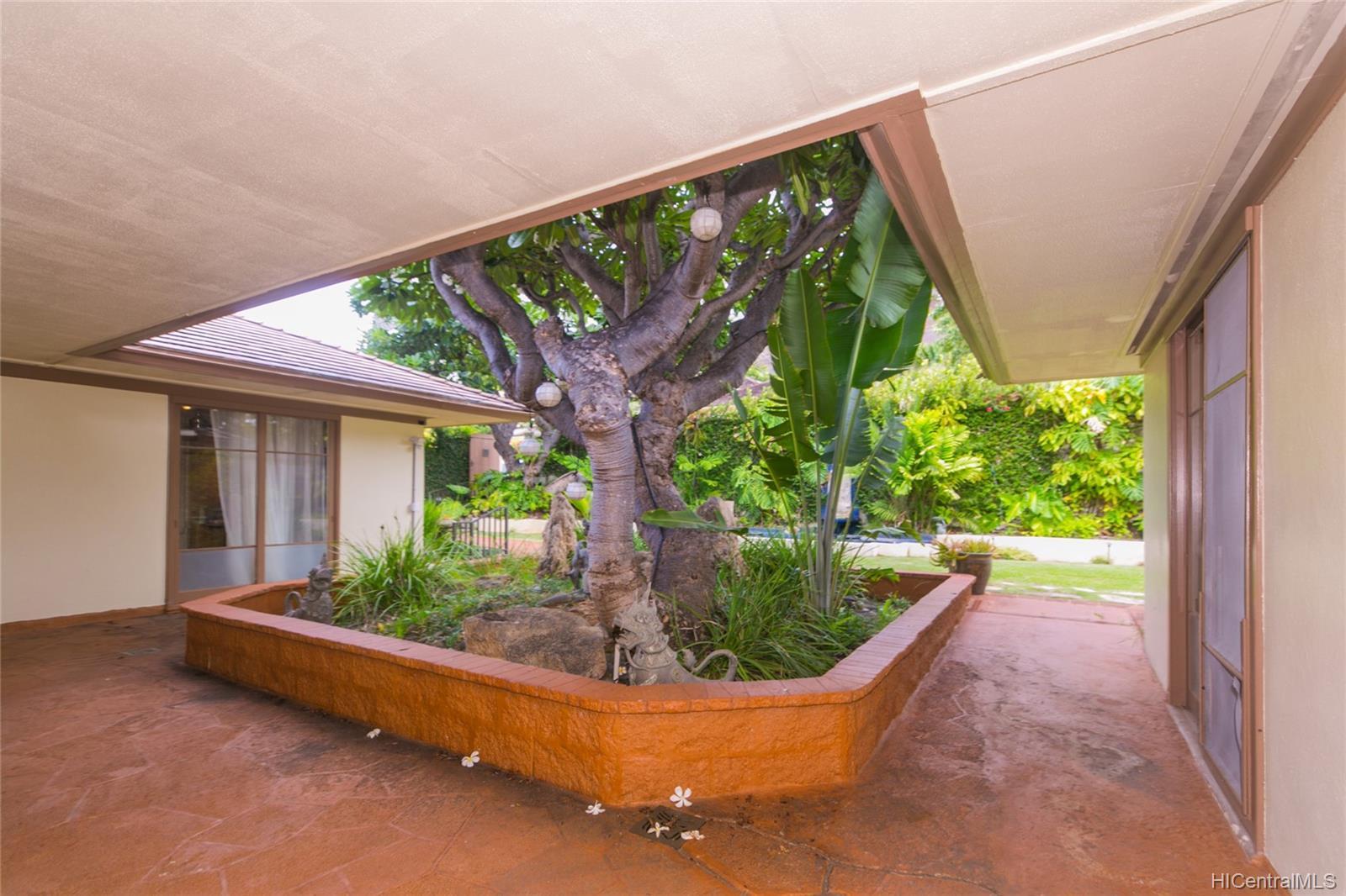 3869  Owena Street Kapahulu, Diamond Head home - photo 7 of 25