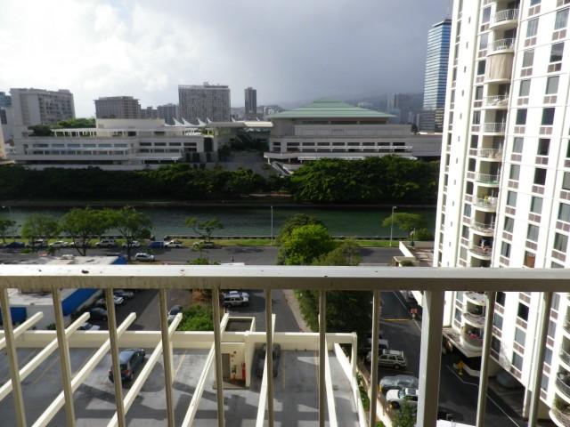 Villa on Eaton Square condo # 1114, Honolulu, Hawaii - photo 7 of 10