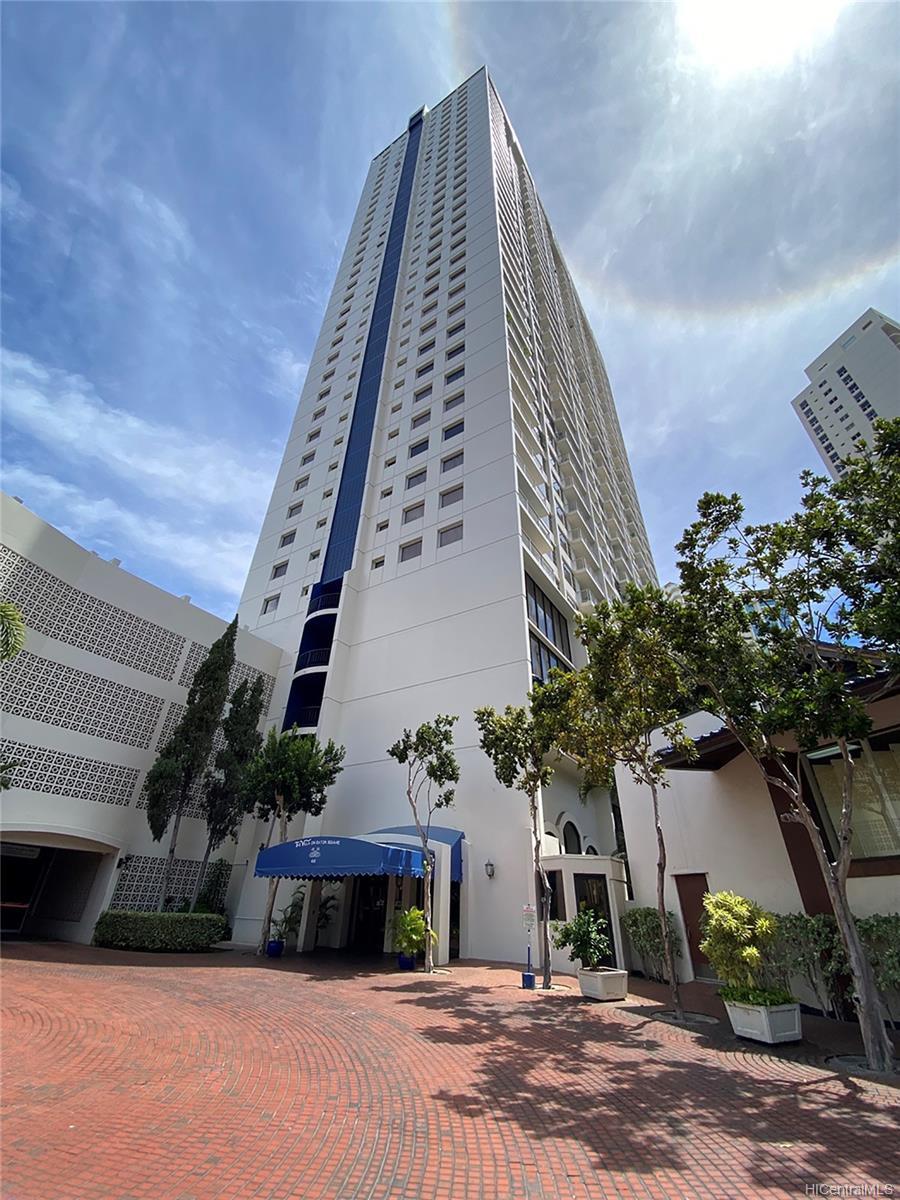 Villa On Eaton Square condo # 2305, Honolulu, Hawaii - photo 21 of 22