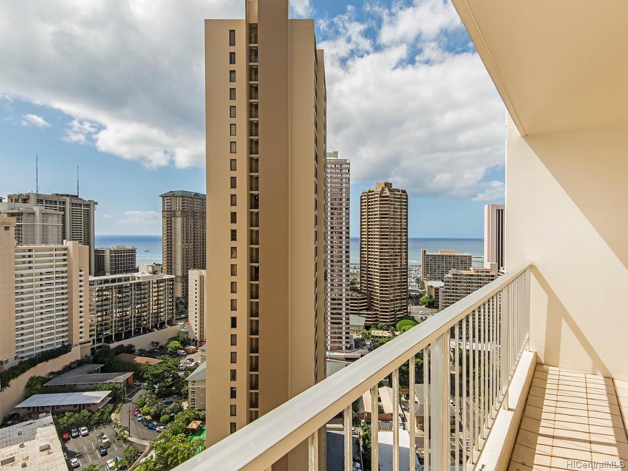 Villa On Eaton Square condo # 2801, Honolulu, Hawaii - photo 11 of 24