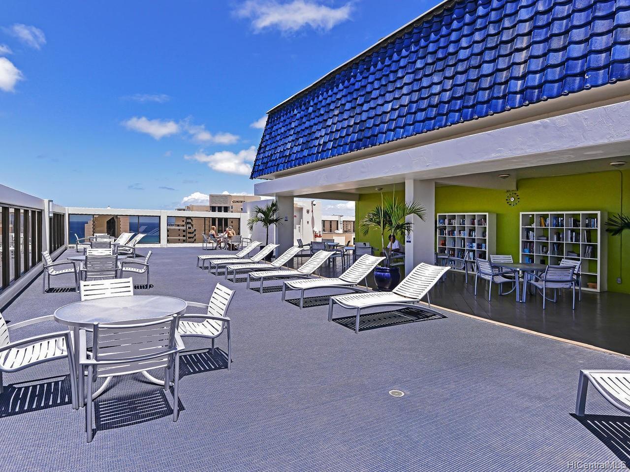 Villa On Eaton Square condo # 2801, Honolulu, Hawaii - photo 23 of 24