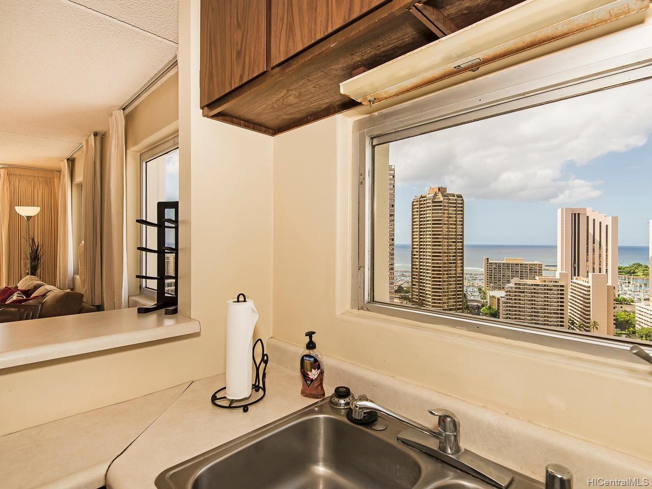 Villa On Eaton Square condo # 2801, Honolulu, Hawaii - photo 6 of 24