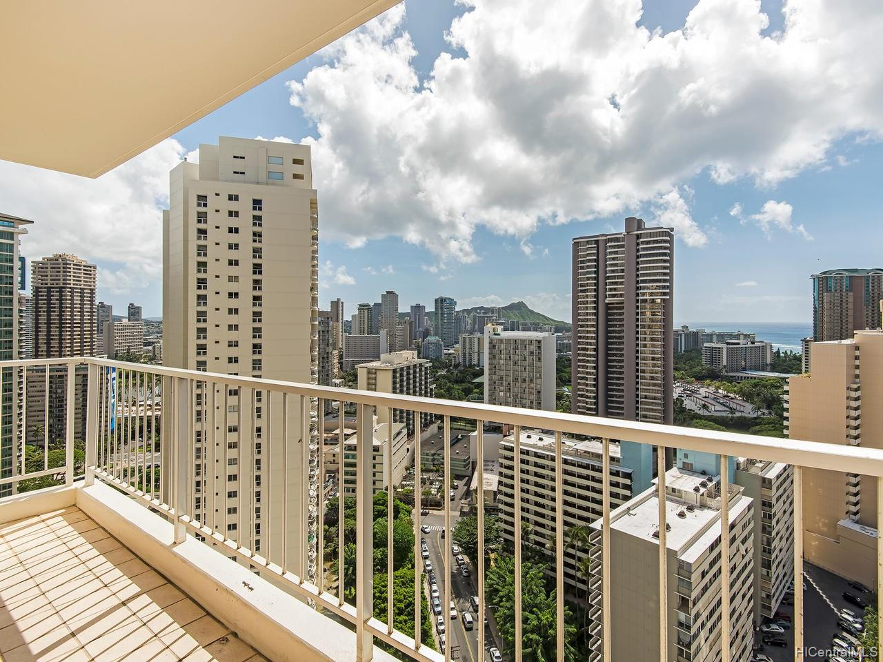 Villa On Eaton Square condo # 2801, Honolulu, Hawaii - photo 10 of 24