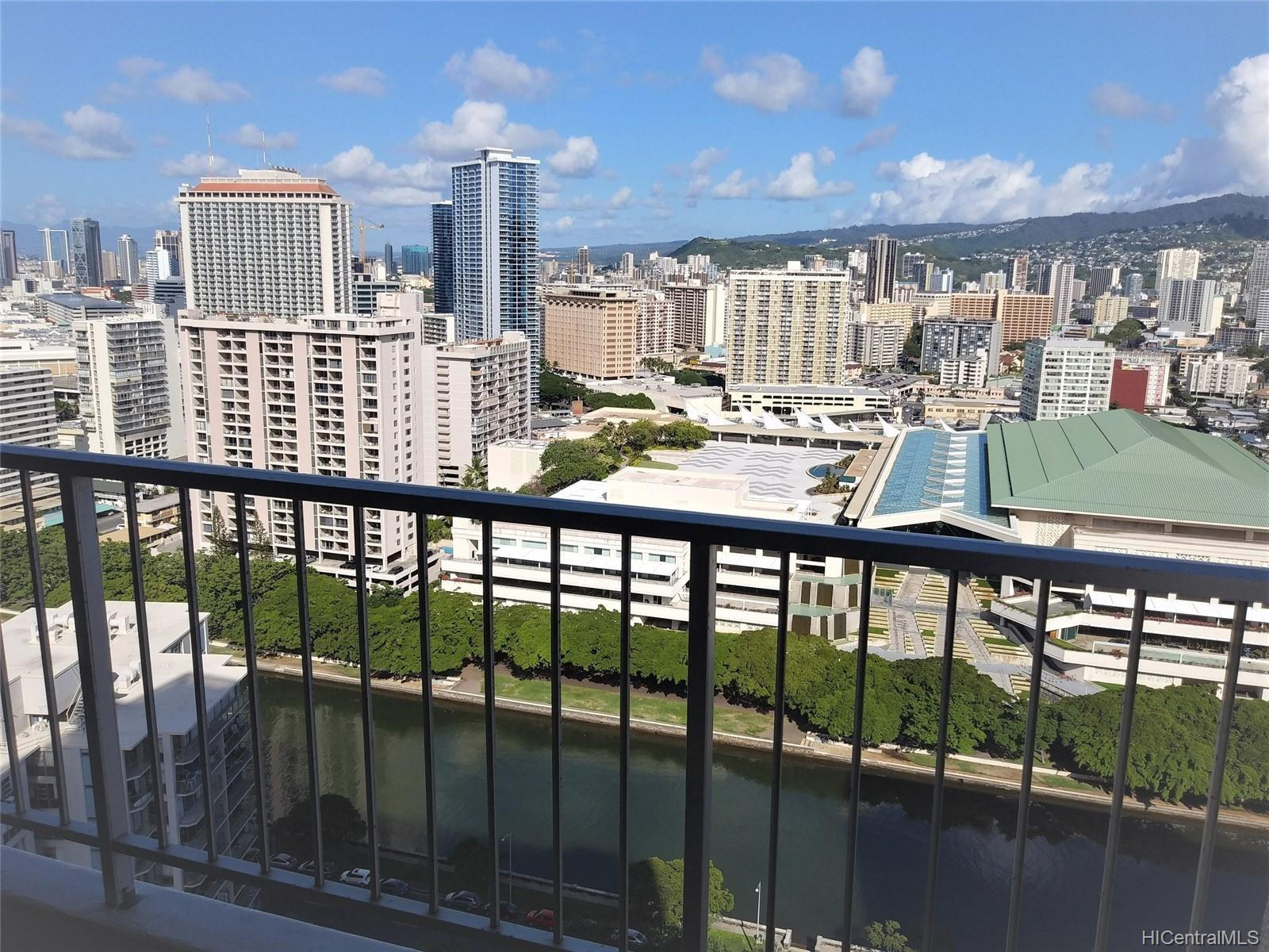 Villa on Eaton Square condo # 3008, Honolulu, Hawaii - photo 15 of 23