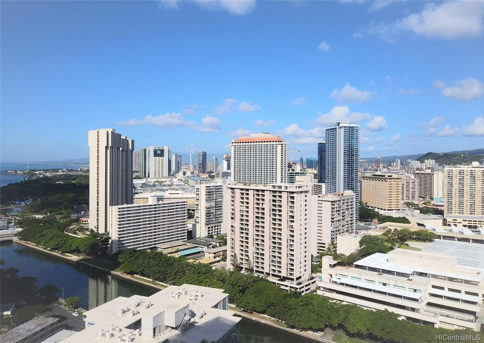 Villa on Eaton Square condo # 3008, Honolulu, Hawaii - photo 16 of 23