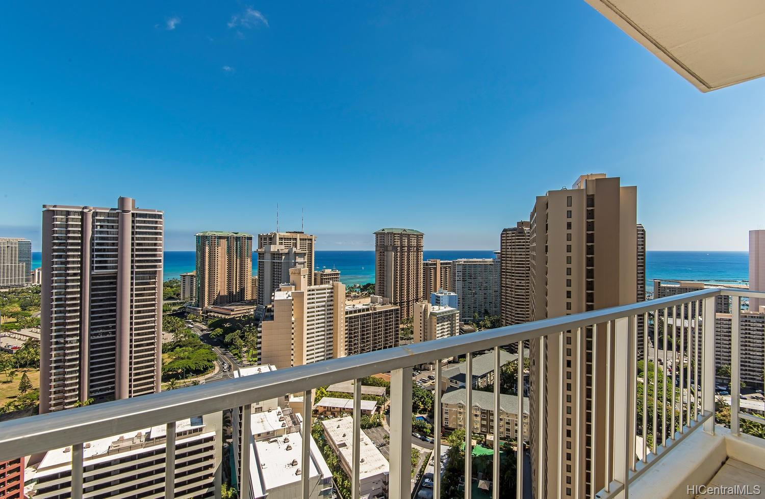 Villa On Eaton Square condo # 3515, Honolulu, Hawaii - photo 4 of 21