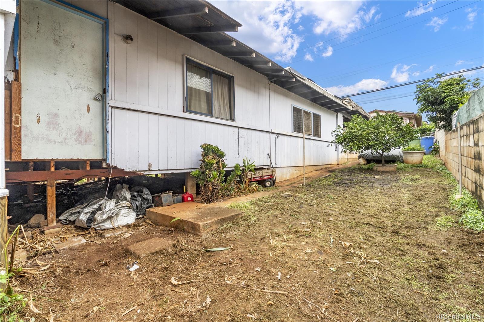 4033  Likini Street Aliamanu, Honolulu home - photo 18 of 23