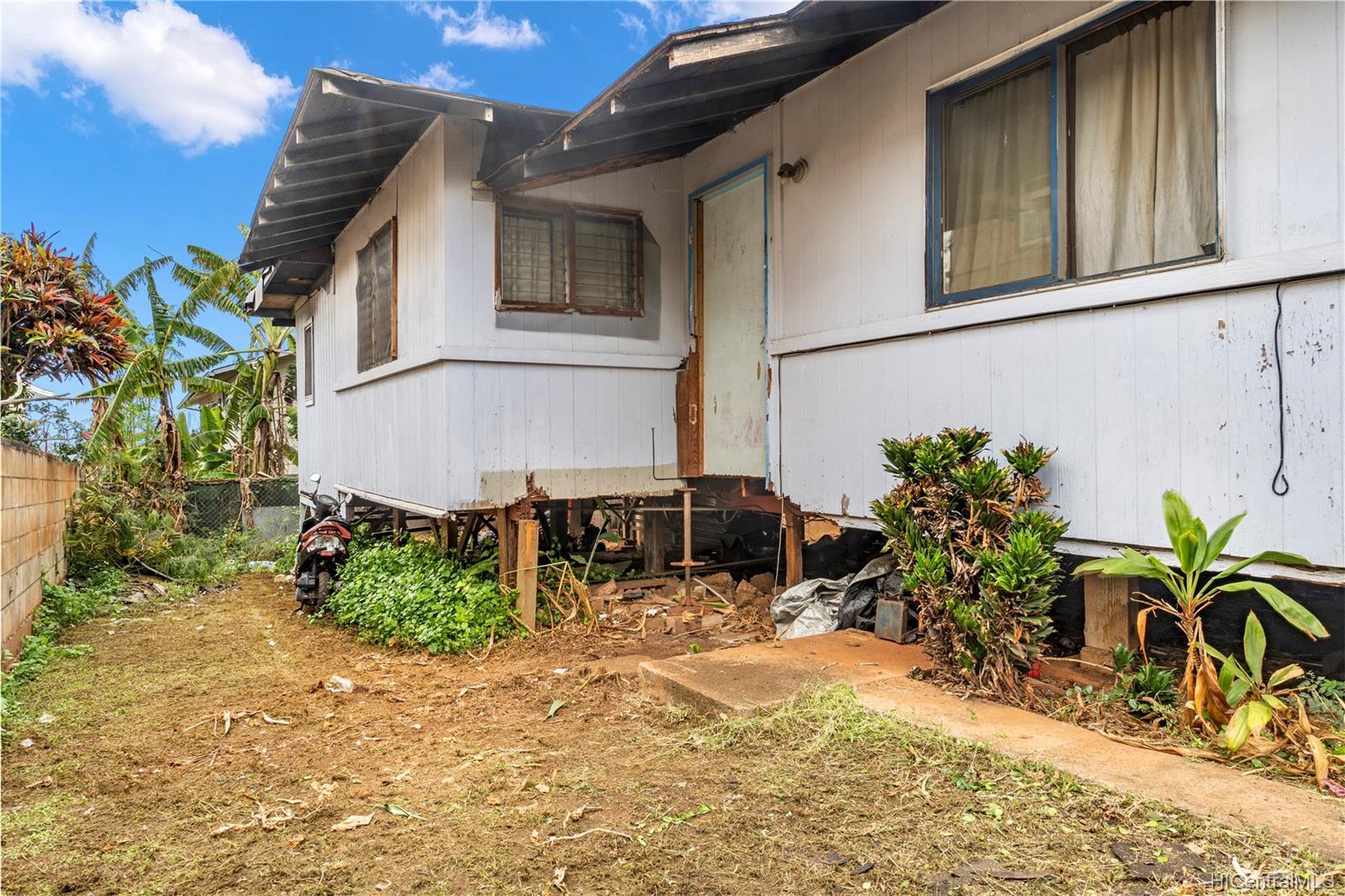 4033  Likini Street Aliamanu, Honolulu home - photo 19 of 23