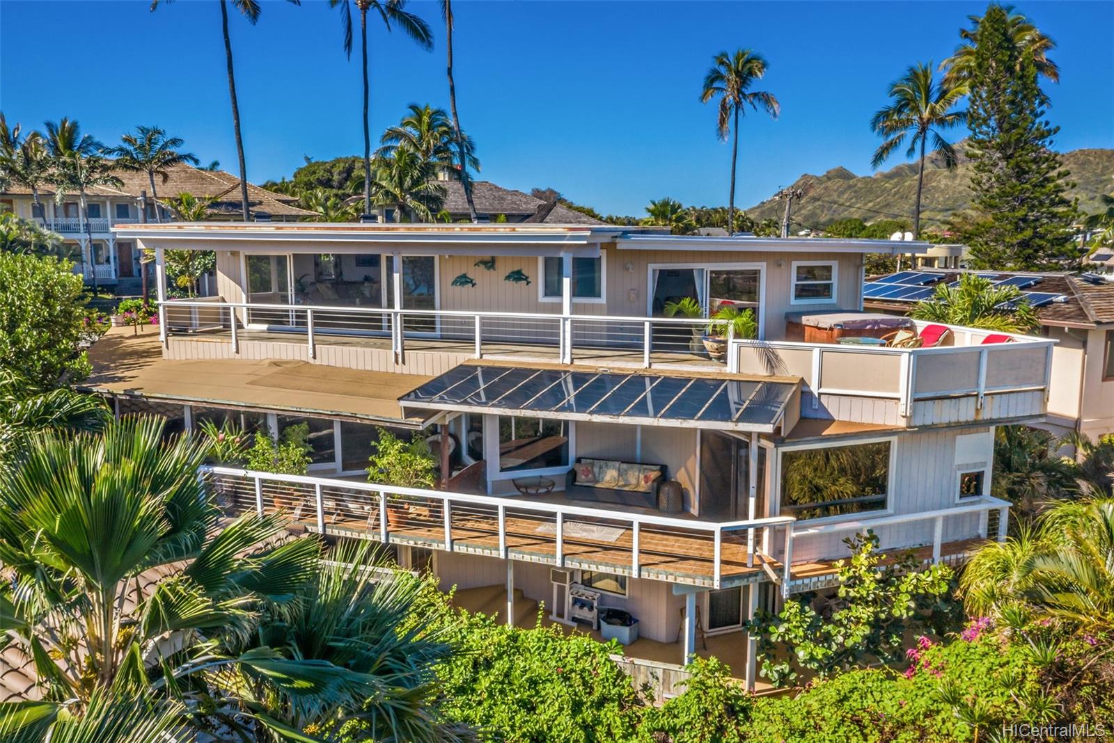 4062  Black Point Road Kahala-black Point, Diamond Head home - photo 3 of 25