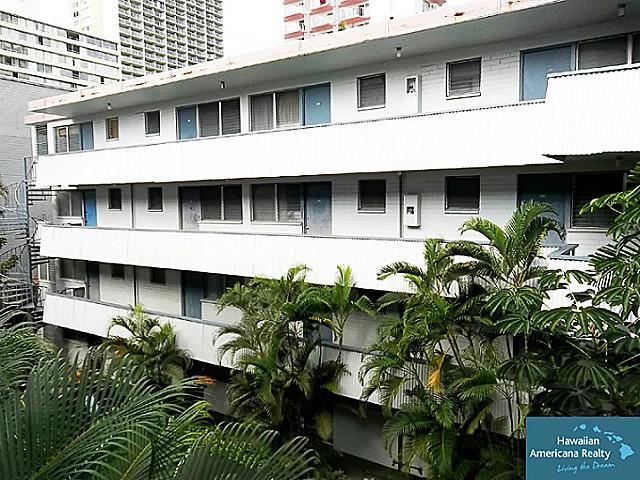 Hawaiian Prince Apts Ltd condo # 303, Honolulu, Hawaii - photo 11 of 12