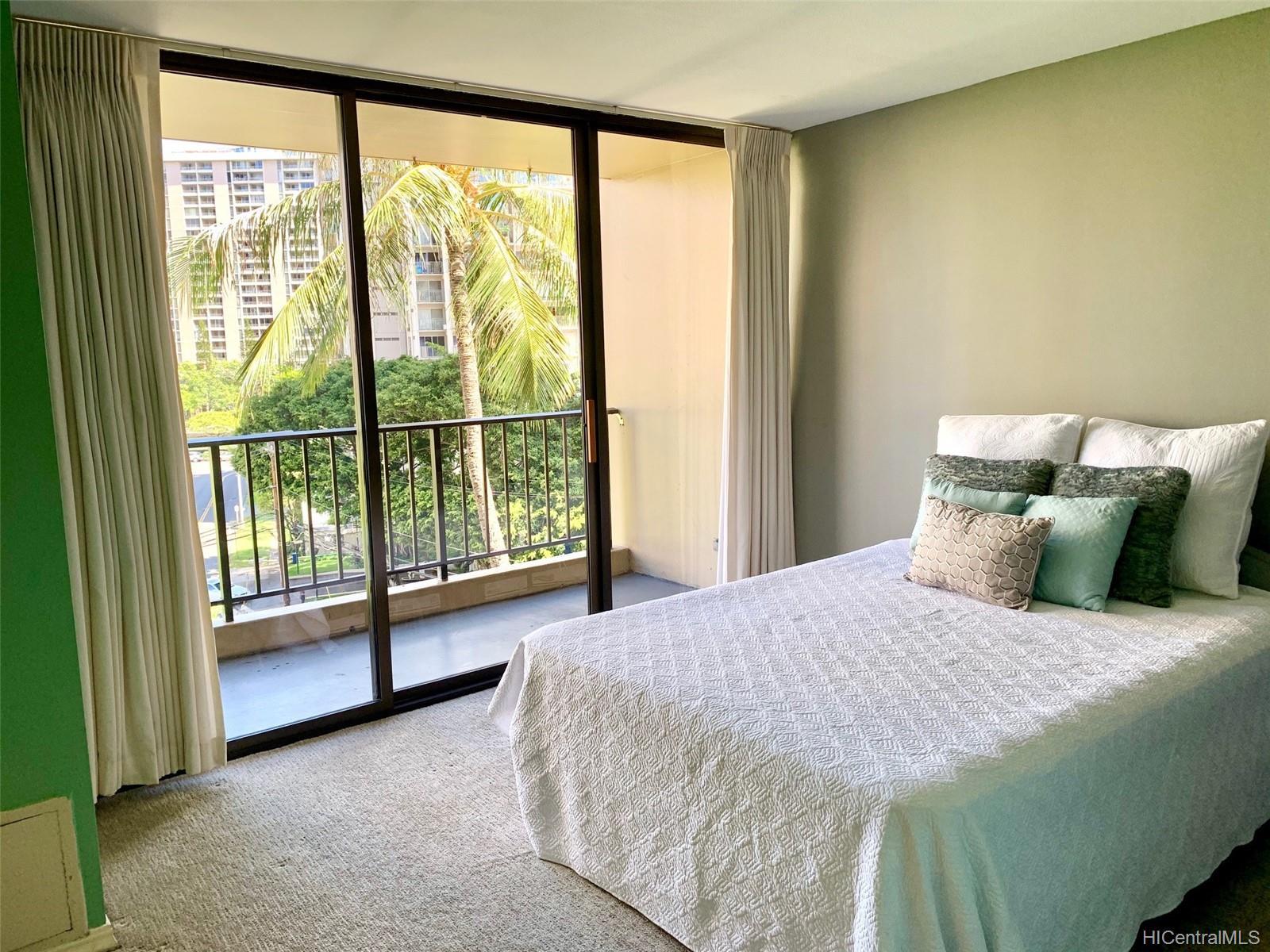 Chateau Waikiki condo # 602, Honolulu, Hawaii - photo 7 of 17