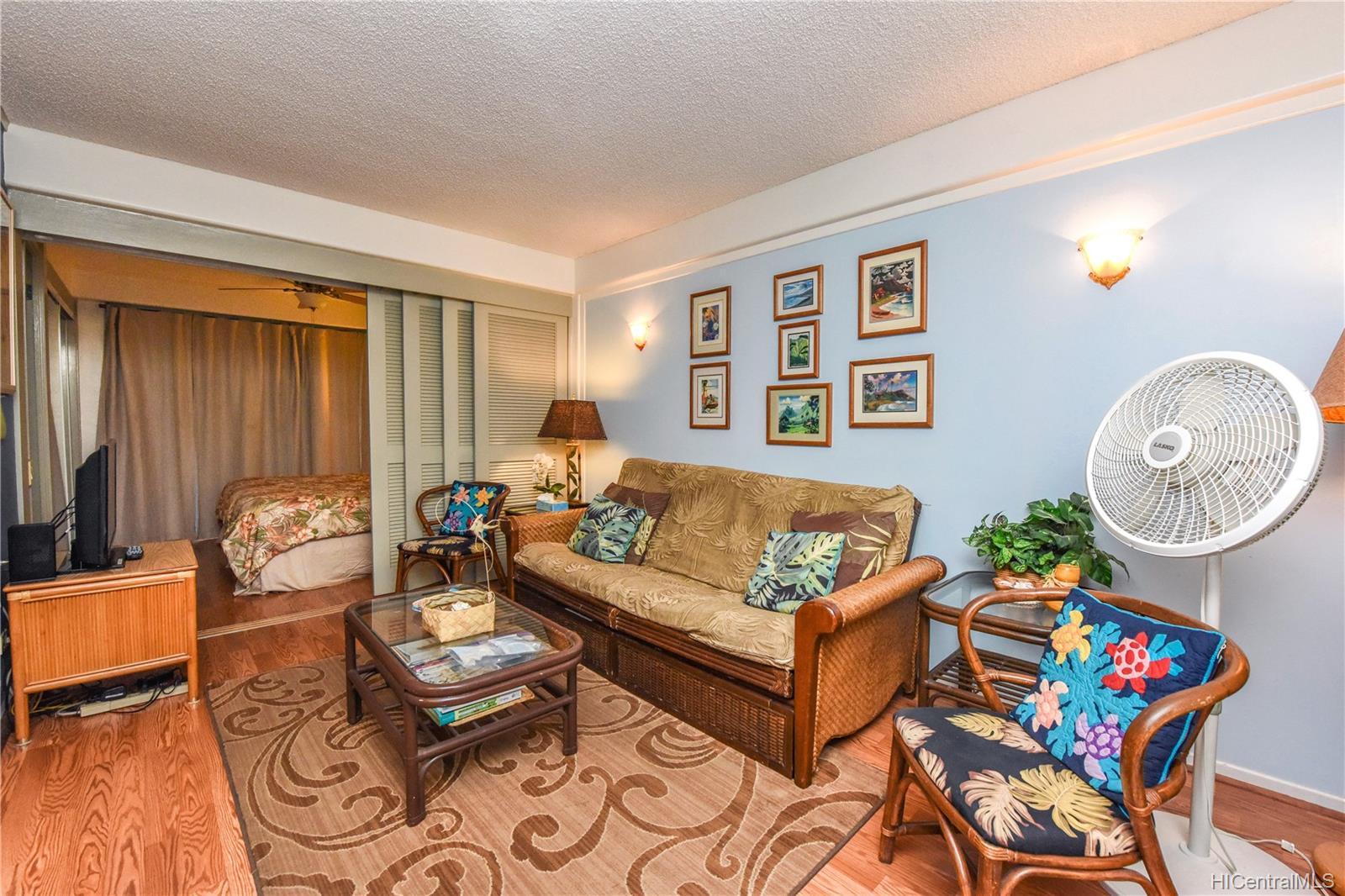 Hawaiian King condo # 203, Honolulu, Hawaii - photo 2 of 20