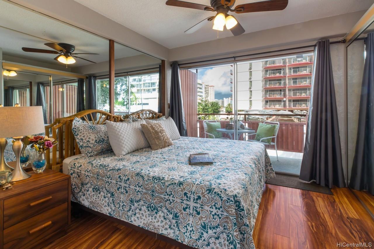 Hawaiian King condo # 404, Honolulu, Hawaii - photo 1 of 10