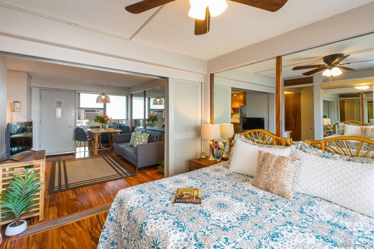 Hawaiian King condo # 404, Honolulu, Hawaii - photo 7 of 10