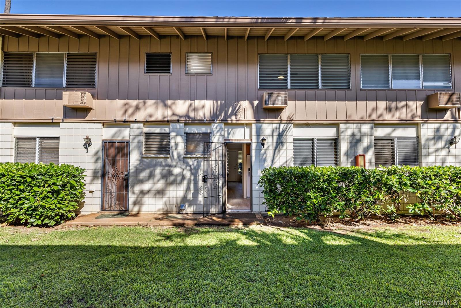 4188-3 Keanu Street townhouse # 130, Honolulu, Hawaii - photo 15 of 23