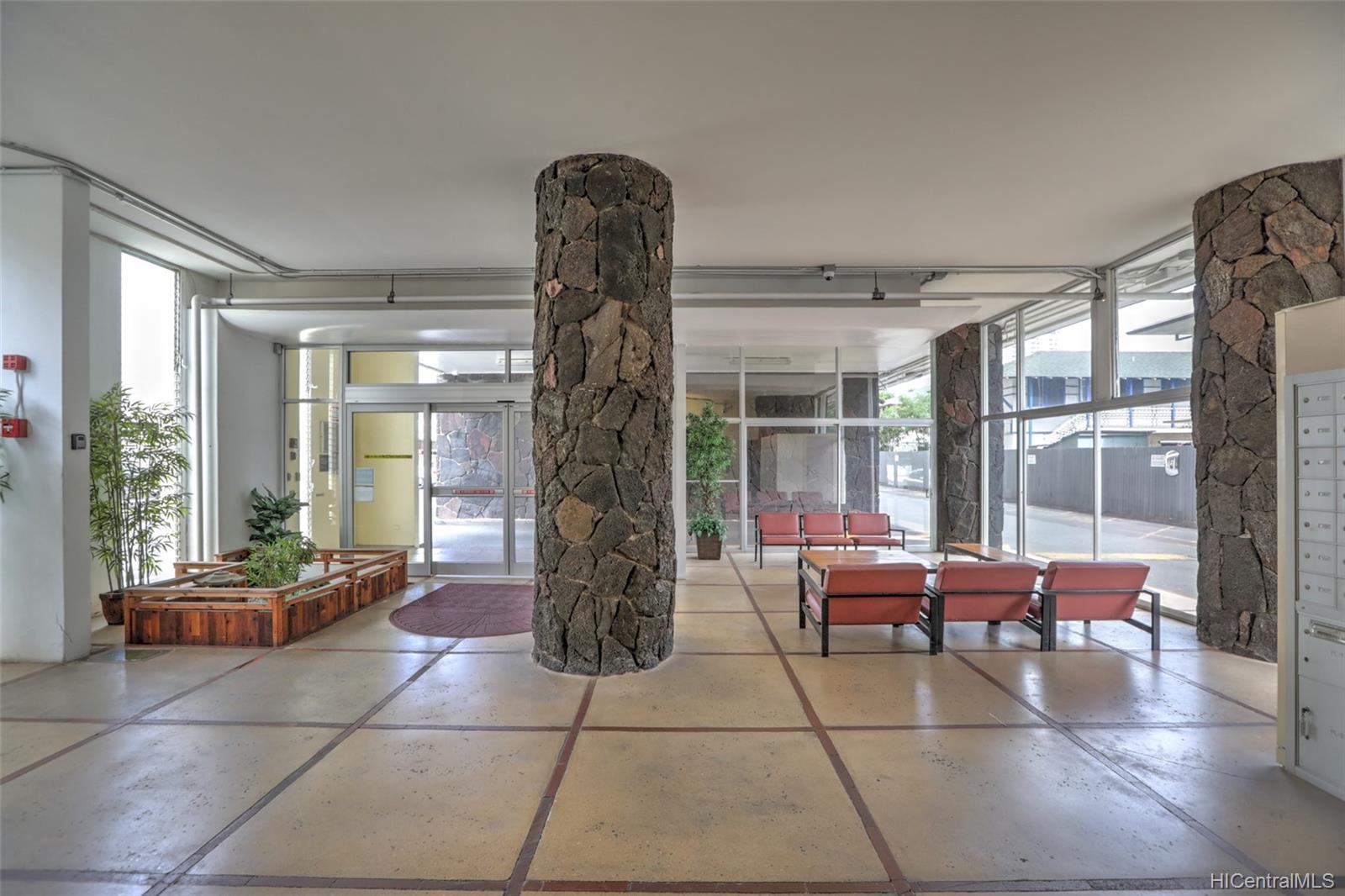 Atkinson Towers Inc condo # 1005, Honolulu, Hawaii - photo 7 of 10