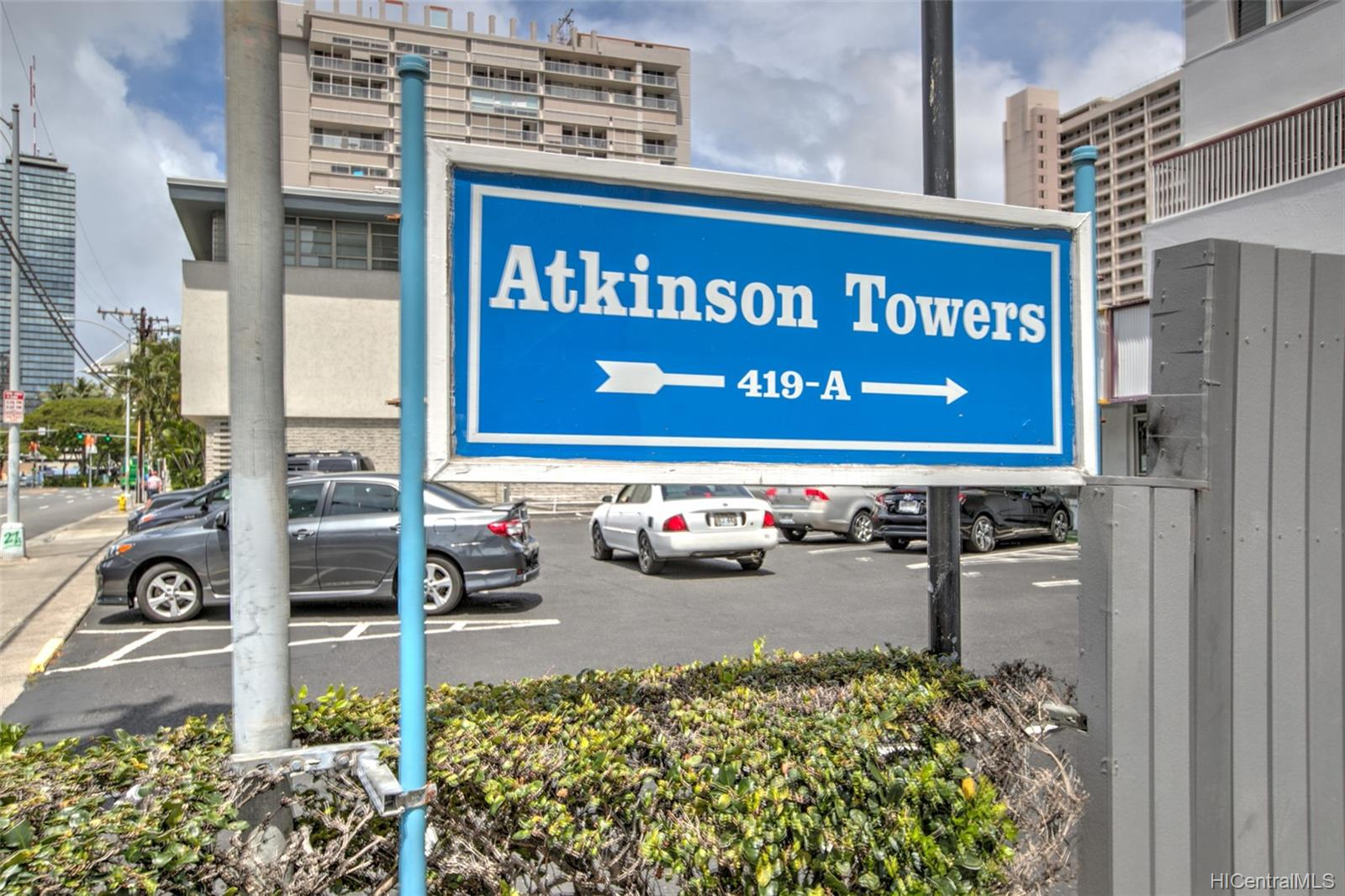 Atkinson Towers Inc condo # 1005, Honolulu, Hawaii - photo 8 of 10