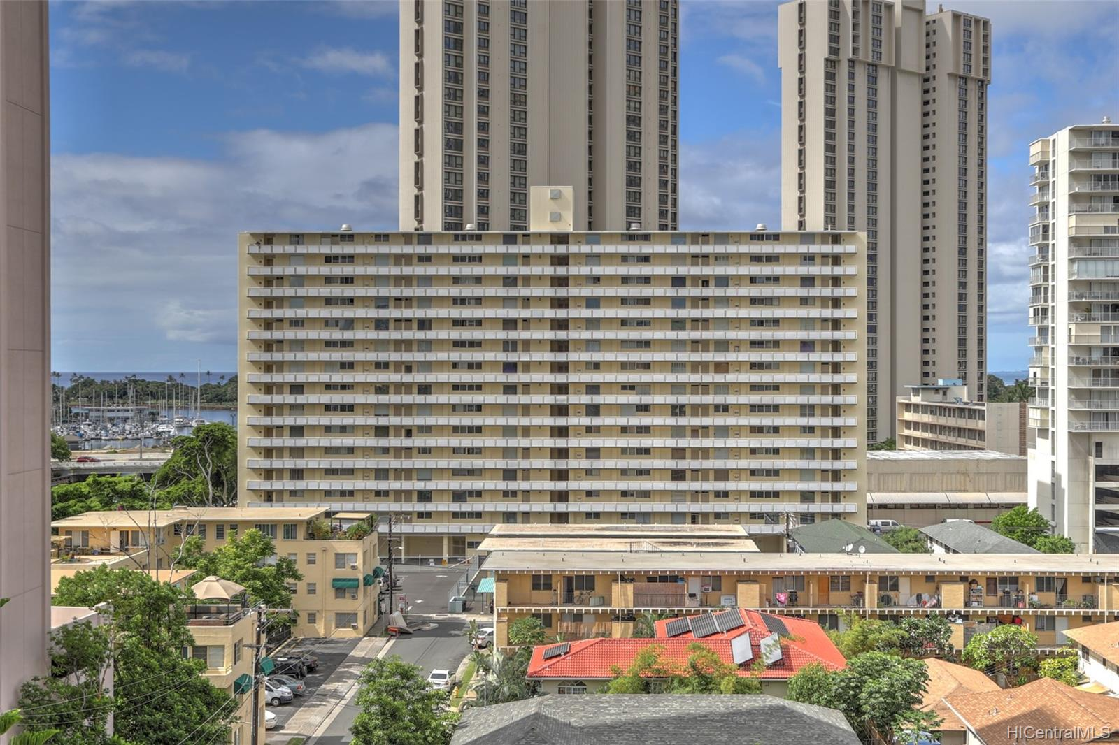 Atkinson Towers Inc condo # 1005, Honolulu, Hawaii - photo 10 of 10