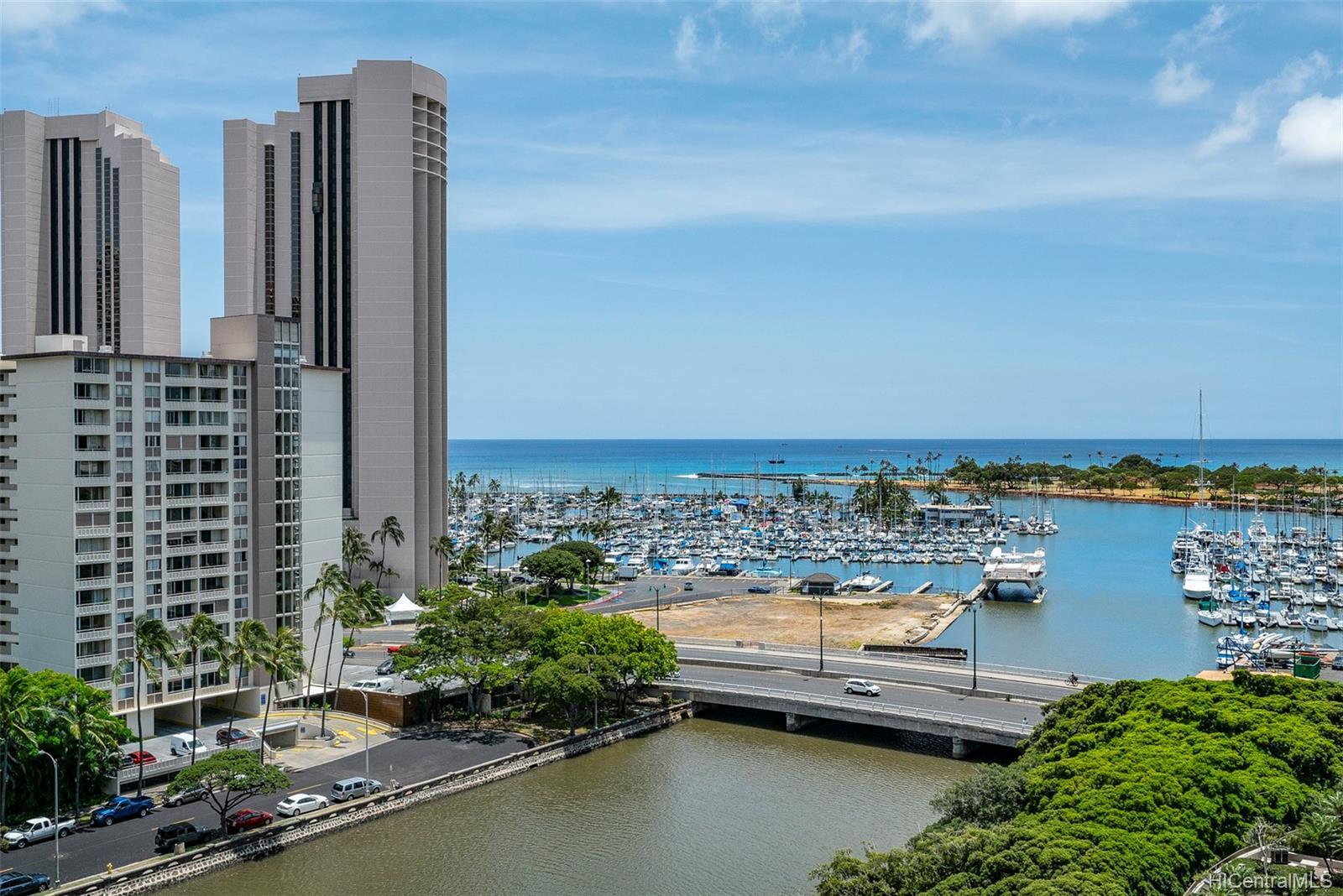 Atkinson Towers Inc condo #1407, Honolulu, Hawaii - photo 0 of 20