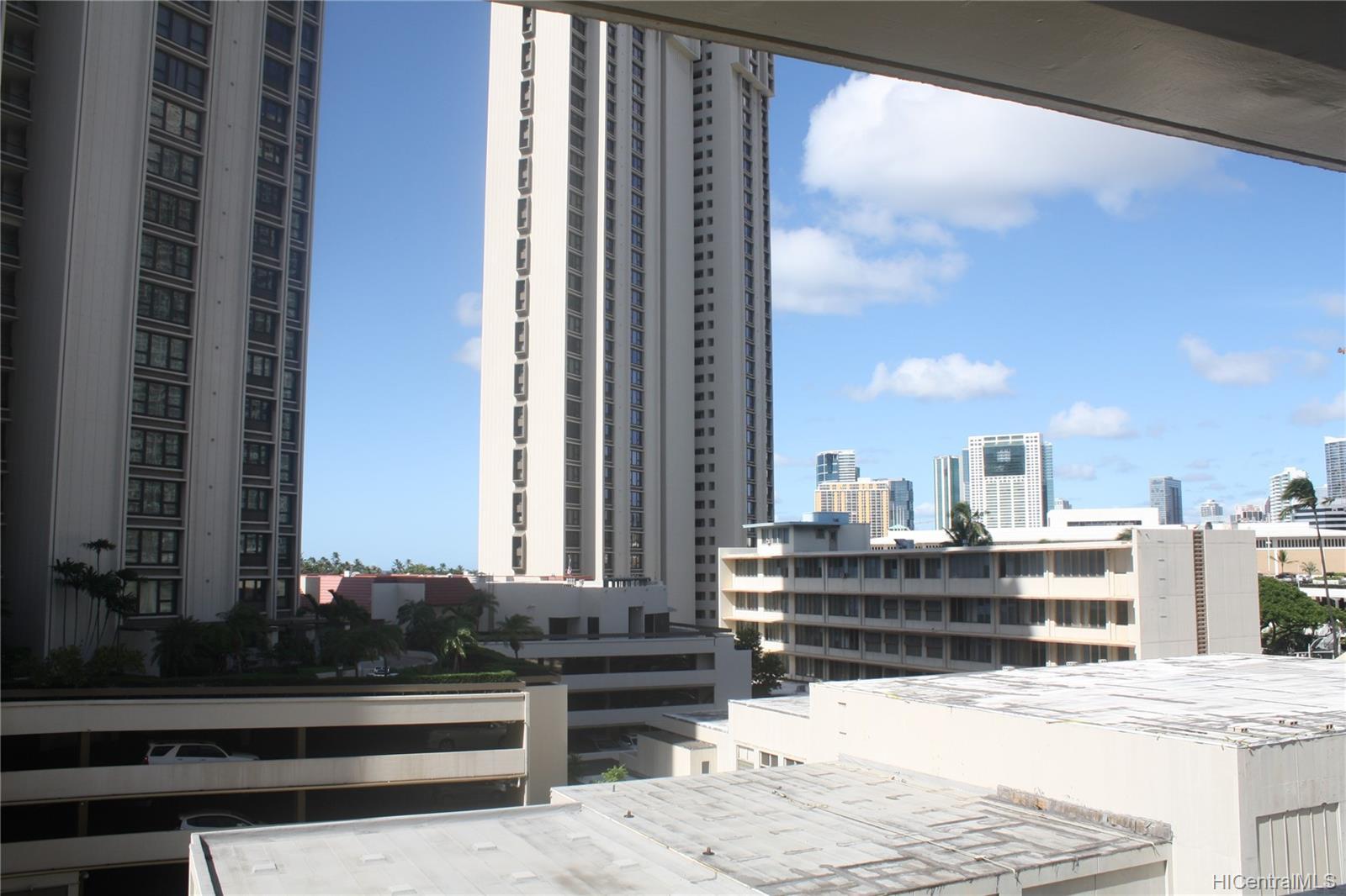 Atkinson Towers Inc condo # 603, Honolulu, Hawaii - photo 2 of 8