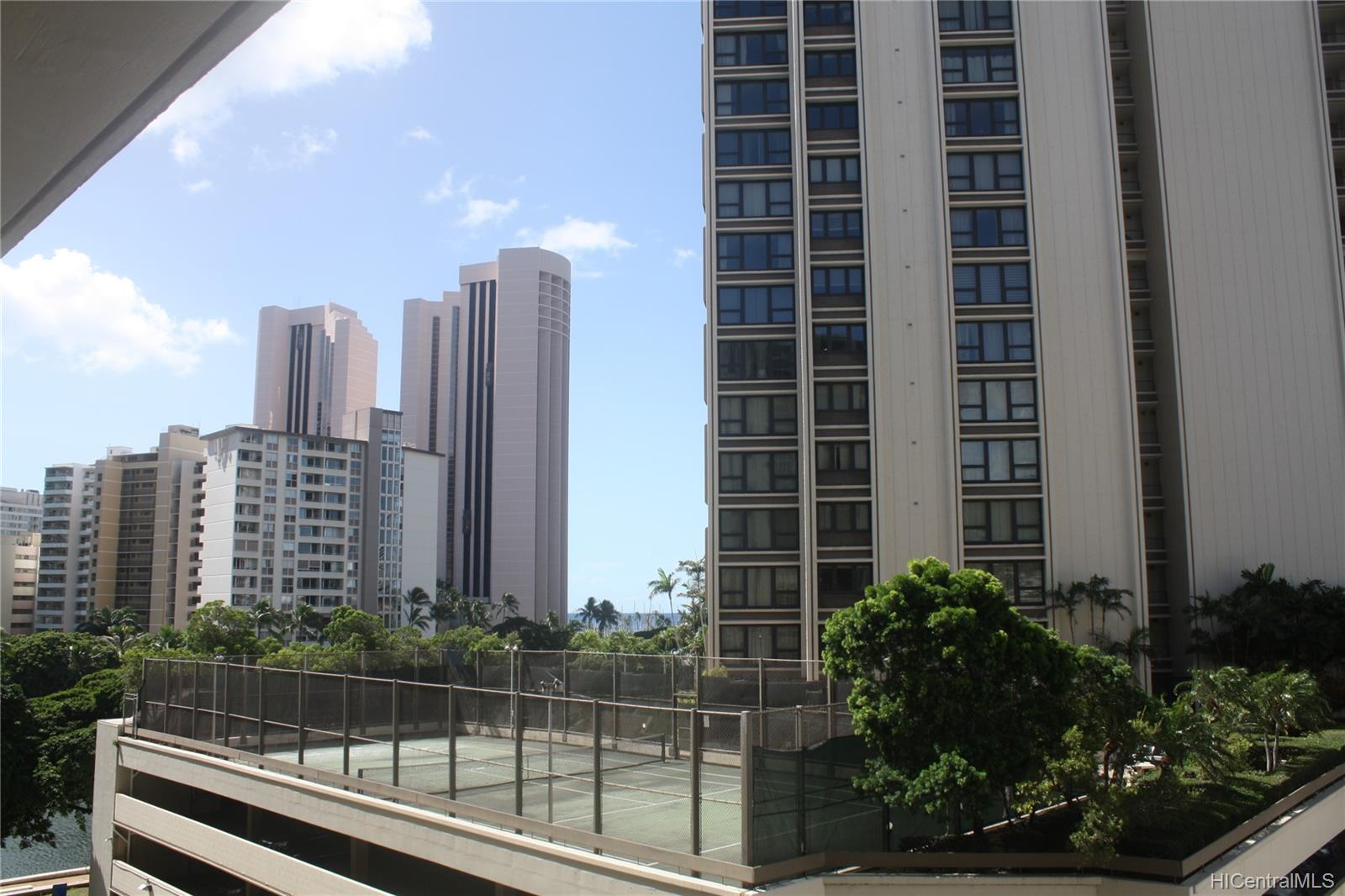 Atkinson Towers Inc condo # 603, Honolulu, Hawaii - photo 3 of 8