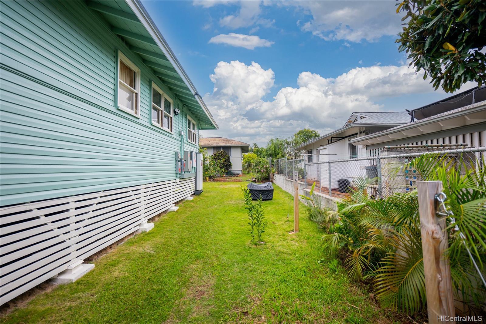 421  Iliwai Drive Wahiawa Area, Central home - photo 20 of 25