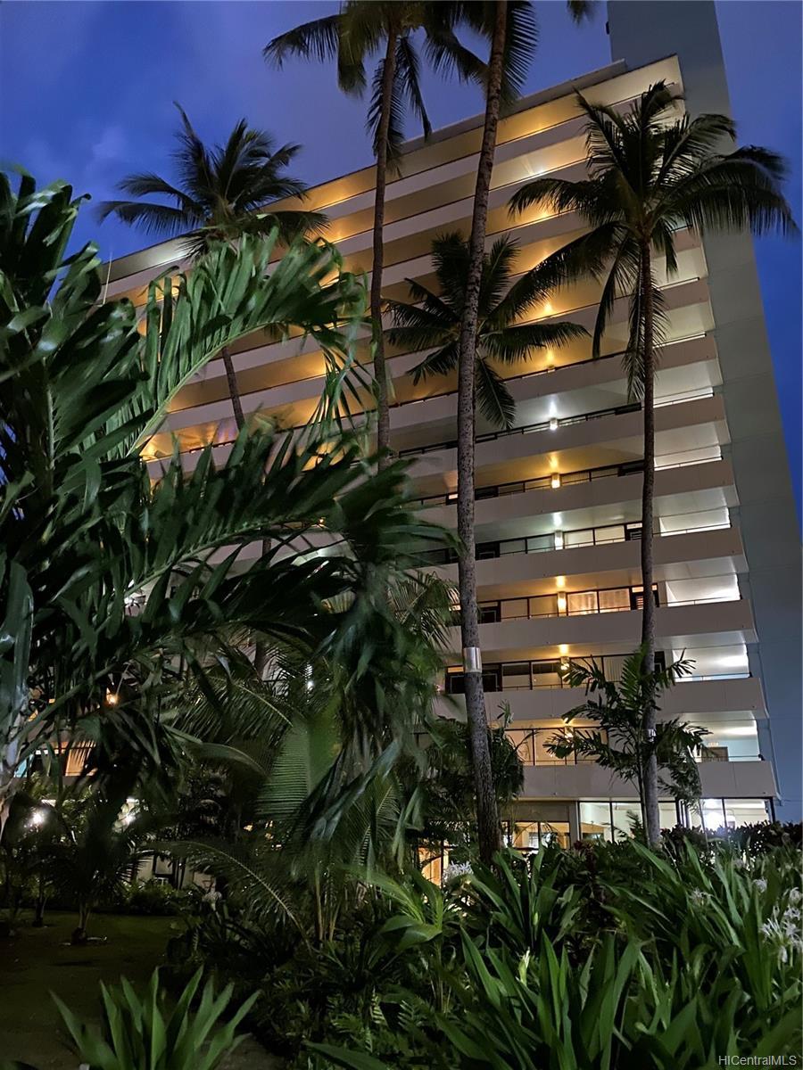 Kalia condo # 202B, Honolulu, Hawaii - photo 1 of 21