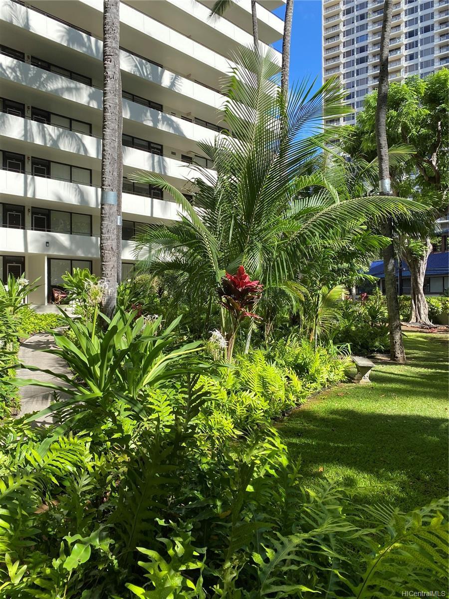 Kalia condo # 202B, Honolulu, Hawaii - photo 17 of 21