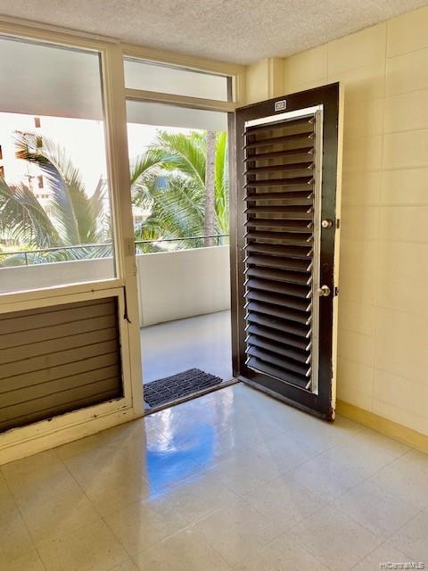 Kalia condo # 202B, Honolulu, Hawaii - photo 3 of 21