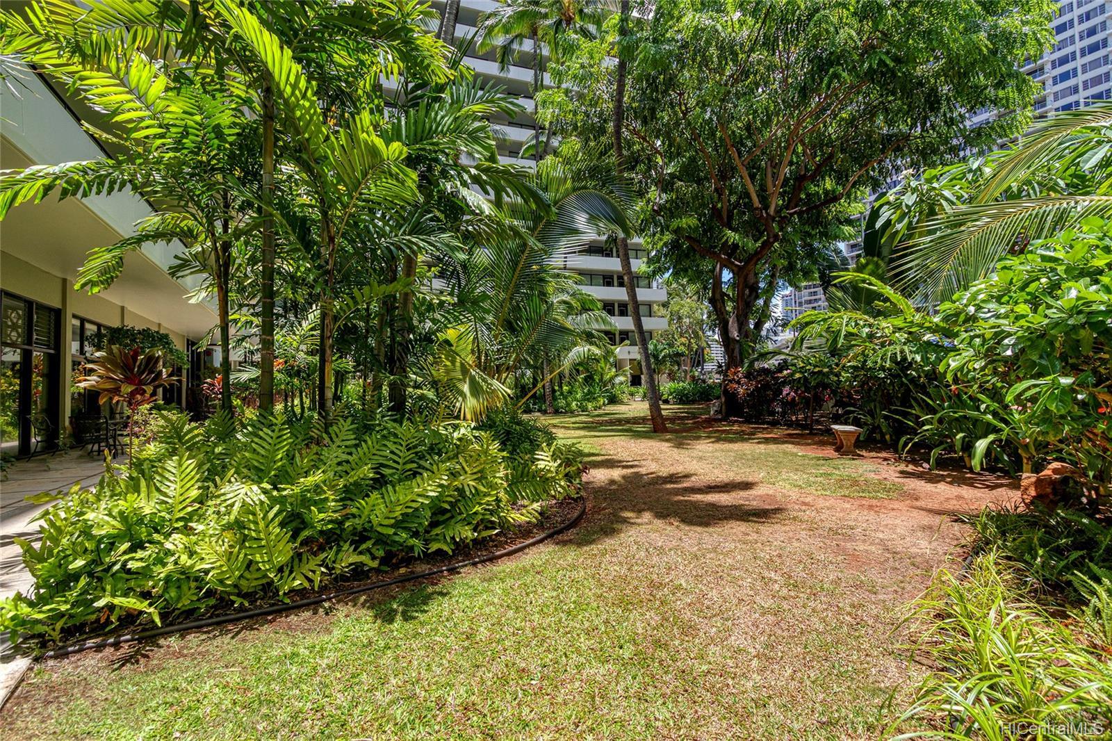 Kalia Inc (B) condo # 802B, Honolulu, Hawaii - photo 19 of 25