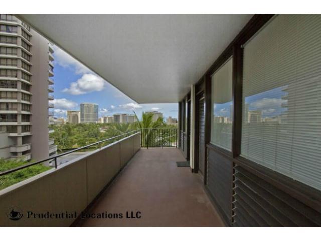 Kalia Inc (B) condo # B807, Honolulu, Hawaii - photo 12 of 16