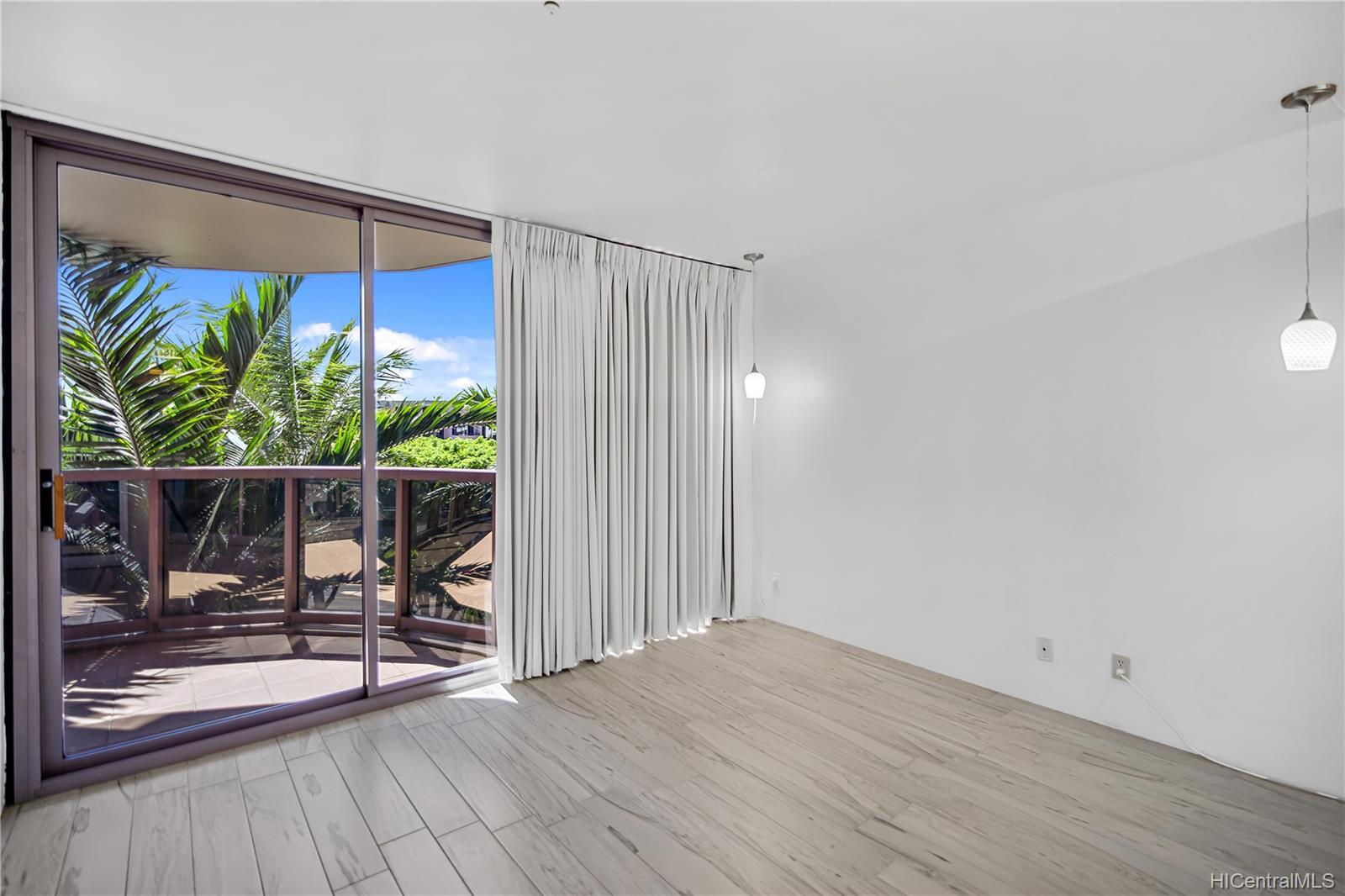 One Waterfront Tower condo # 501, Honolulu, Hawaii - photo 4 of 25