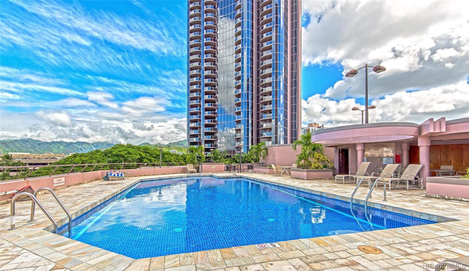 One Waterfront Tower condo # 701, Honolulu, Hawaii - photo 24 of 25