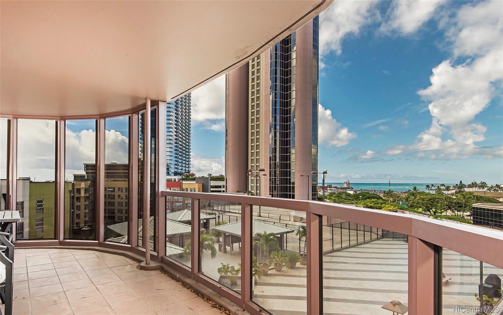One Waterfront Tower condo # 701, Honolulu, Hawaii - photo 7 of 25