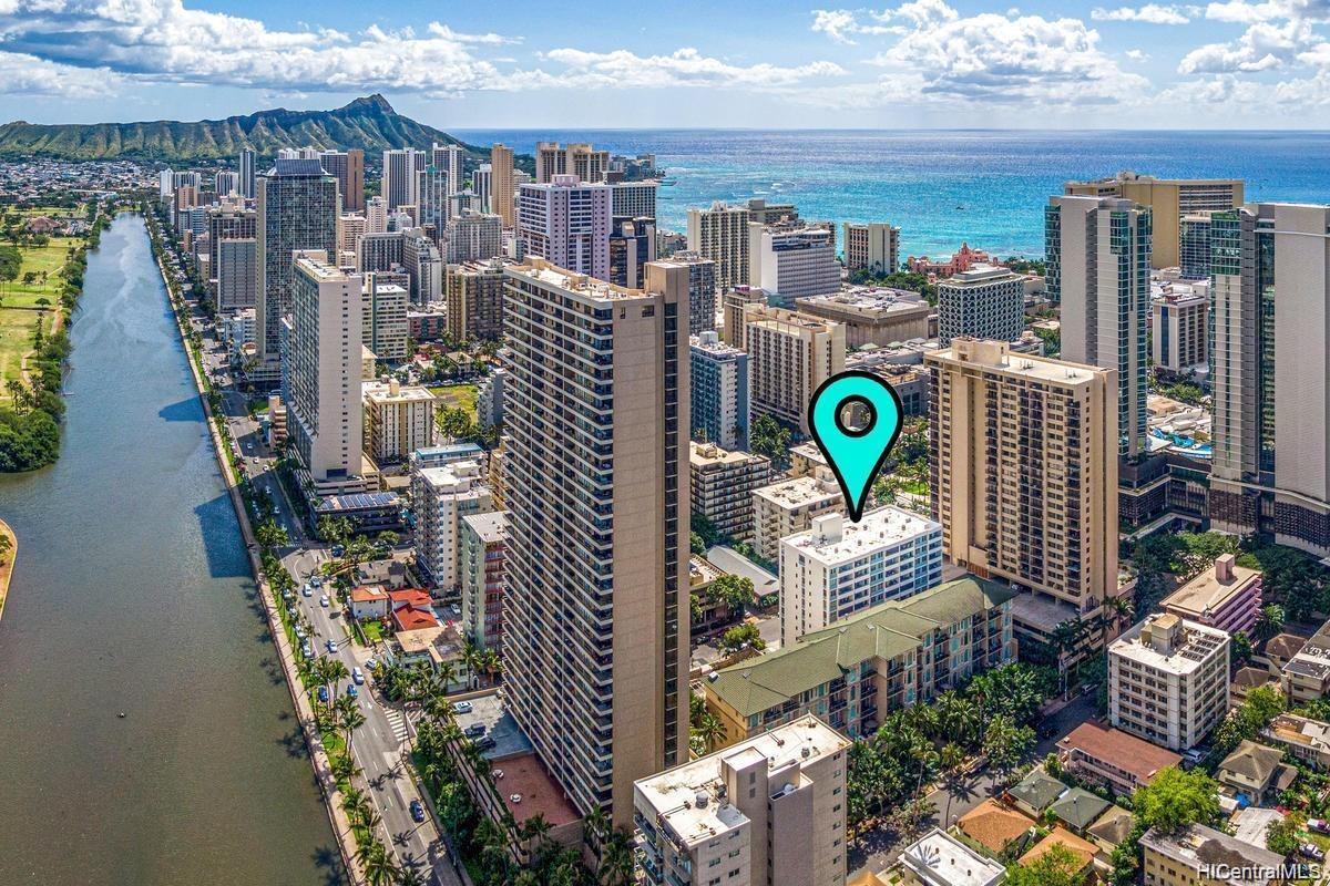 430 Kaiolu St Honolulu - Rental - photo 18 of 19