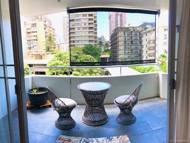 430 Kaiolu St Honolulu - Rental - photo 4 of 19