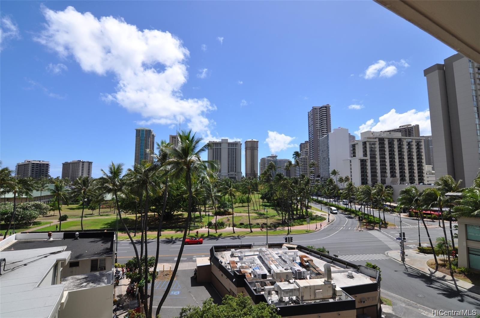 Keoni Ana condo # 104, Honolulu, Hawaii - photo 1 of 24
